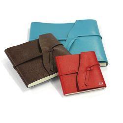 Carnet de voyages grand format en cuir personnalisable